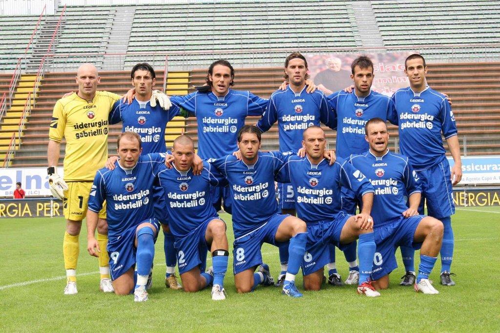 La formazione 2007-08 che riconquistò la Serie B.