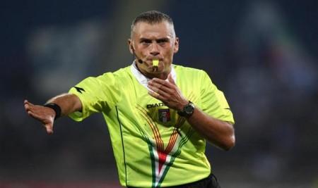 L'arbitro Leonardo Baracani.