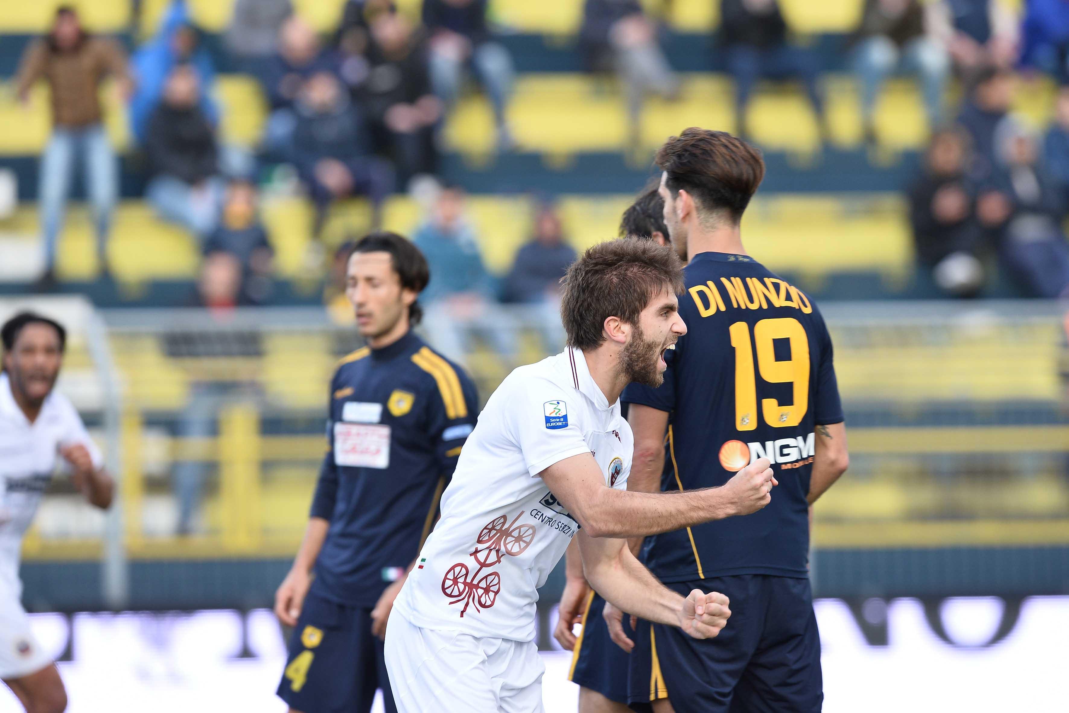 Pippo dopo il gol pareggio a Castellammare di Stabia.