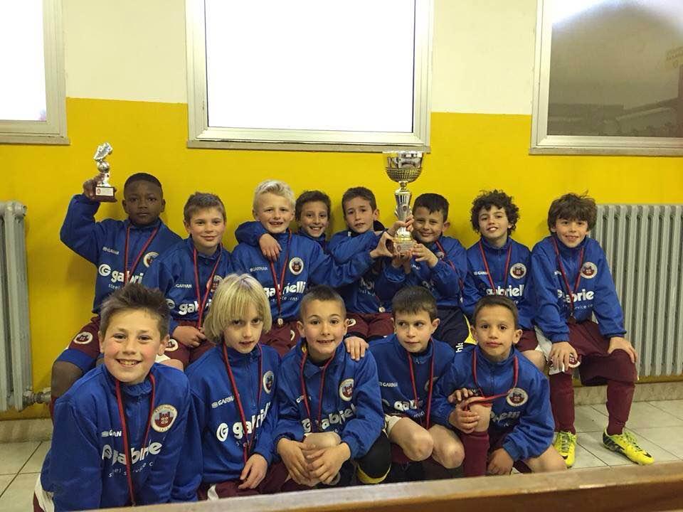 Il gruppo 2006 con la coppa dei vincitori.